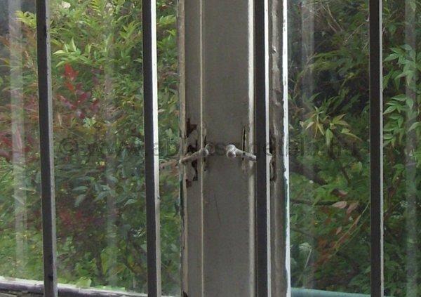 Elforditós ablakzár.